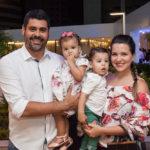 Felipe, Adriana Capistrano E Filhos