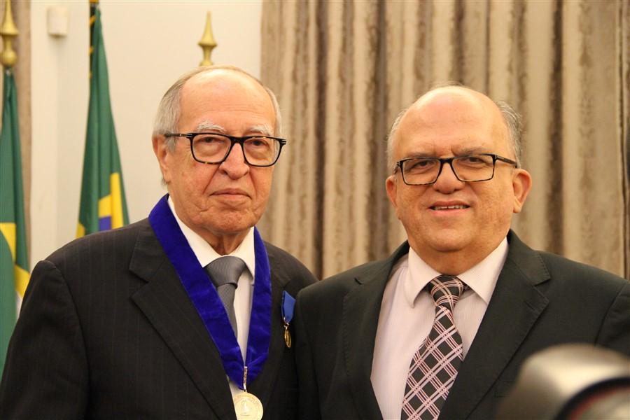 Oswaldo E Ângela Gutierrez Com Geraldo Luciano