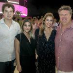 Guilherme Colares, Jessica Guiamarães, Elisiane E Evandro Colares (2)