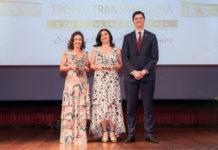 Vera Ponte (Diretora De Controladoria MDB), Magali Carvalho (Gerente De Contabilidade Societária MDB) E Entrega De Prêmio Por Jose Vital (Sócio Da PWC)