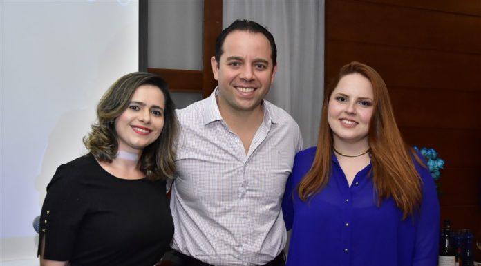 Mirela Coutinho, Irineu Guimarães E Renata Coutinho