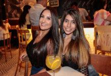 Anne Beatriz E Paula Moinhos 2