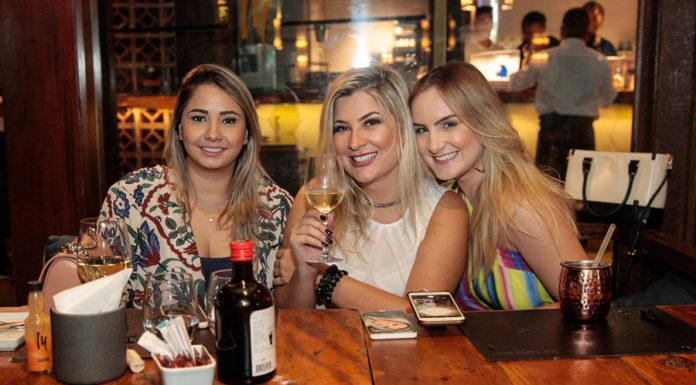 Gisele Benício, Laina Klucas E Larissa Benevides