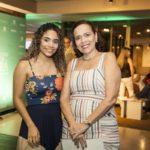 Ana Paula Costa E Adriele Viana