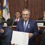 Medalha Boticario Ferreira Para Assis Cavalcante (2)