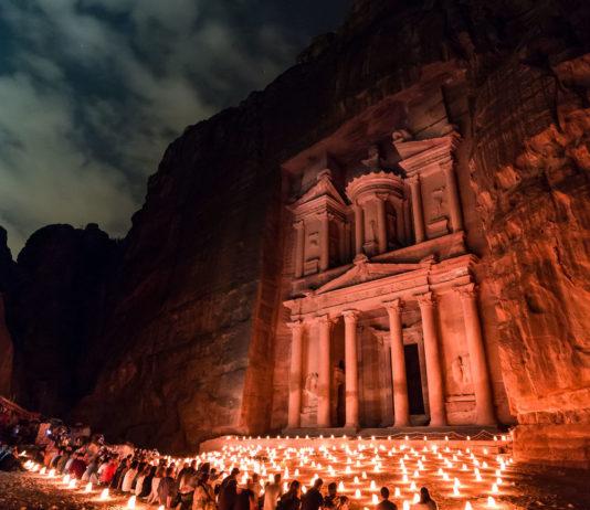 Petra+By+Night_+is+it+worth+it