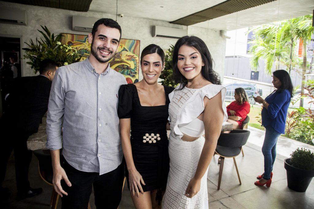 Daniel Victor, Juliana Cordeiro E Lara Lima (2)