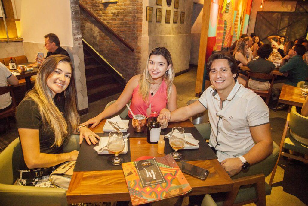Denise Feijao, Livia Brilhante E Leo Medeiros (1)