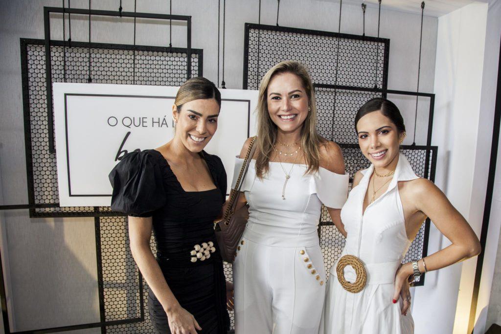 Juliana Cordeiro, Talyzie Mihaliuc E Nicole Vasconcelos (2)