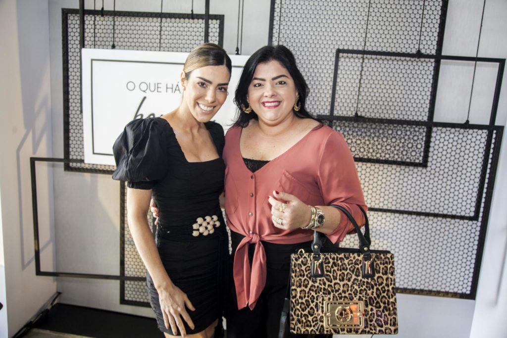 Juliana Cordeiro E Viviane Almada (1)