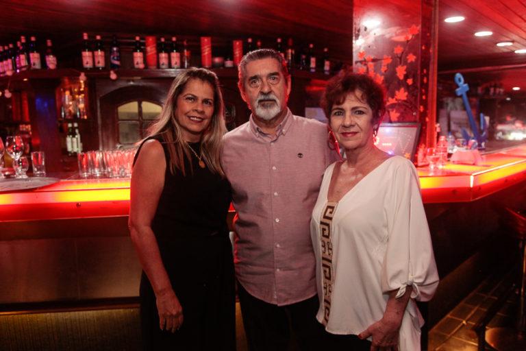 Encontro dos amigos na Barbarella relembra os anos dourados em Fortaleza
