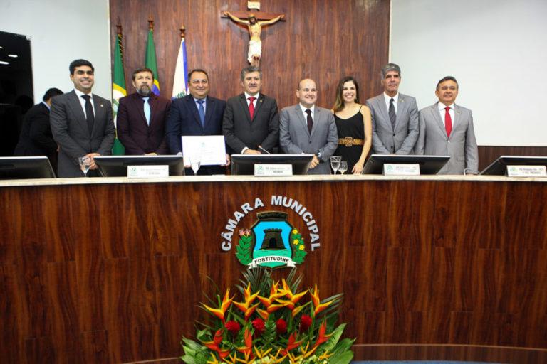 Moacir Maia recebe título de Cidadão de Fortaleza