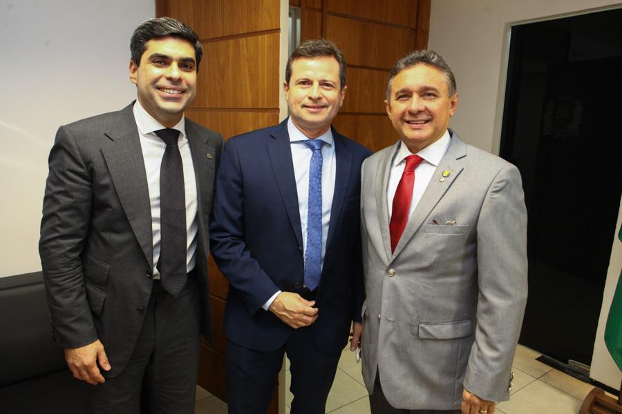 Queiroz Neto Marcos Andre Borges E Jose Porto