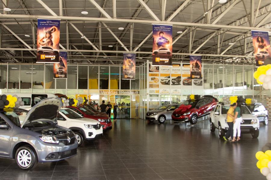 Renault Regence Realiza Campanha De Vendas 36 3