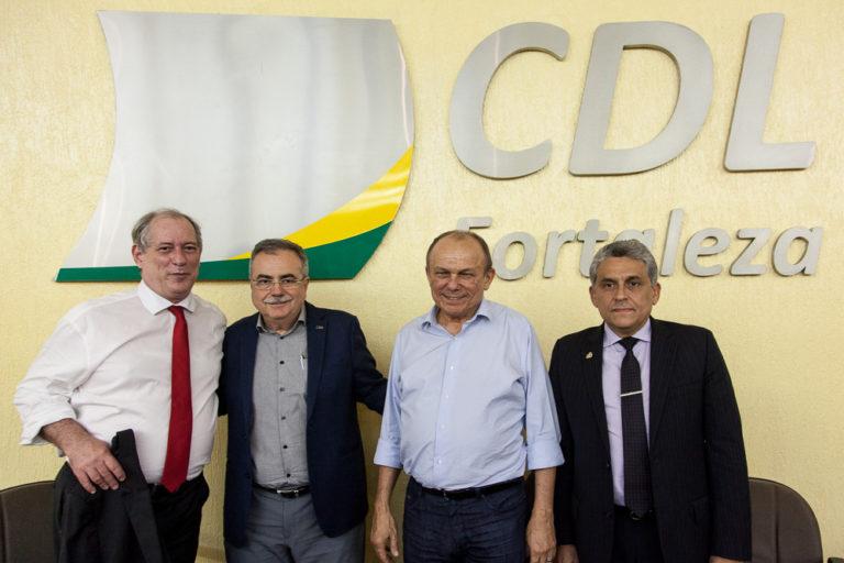 Ciro Gomes fala sobre desafios para o Brasil em palestra na CDL
