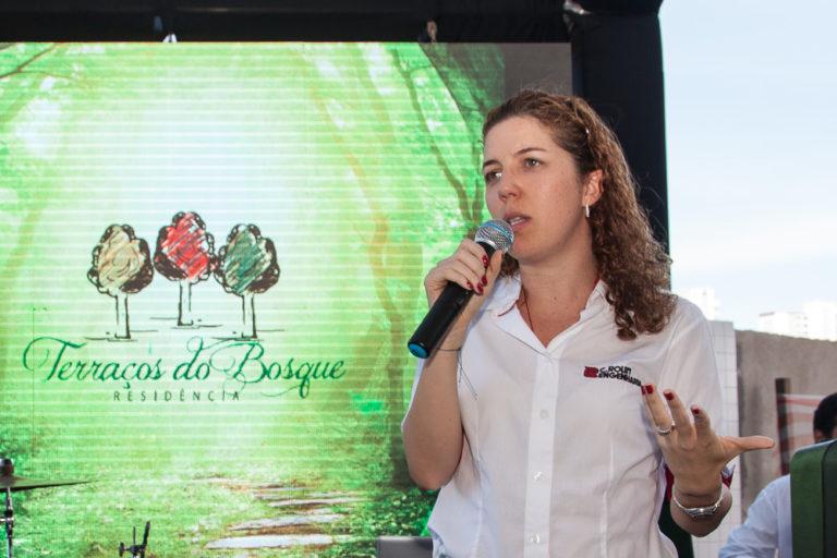 C.Rolim Engenharia realiza Festa da Cumeeira do Terraços do Bosque