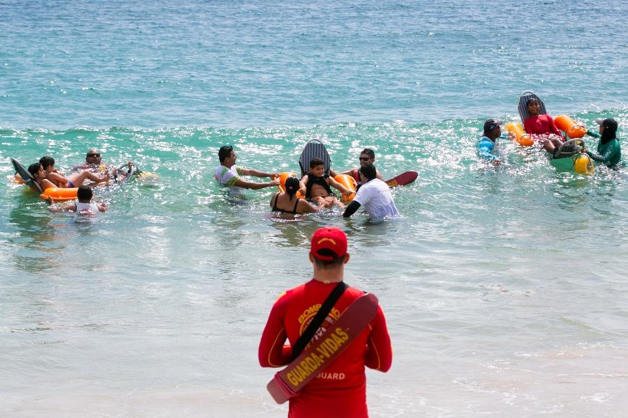 Praia Acessível - Marquise Ambiental promove ação para conscientizar sobre limpeza das praias