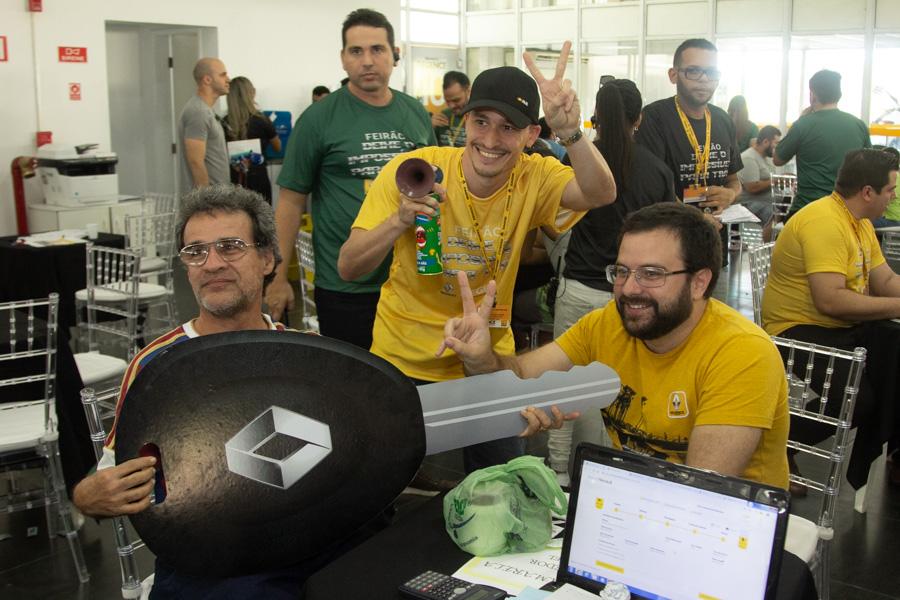 Alex-Moura-Alexandre-Leão-Alan-Feitosa-e-Cícero-Pinheiro-1-4 Renault Regence promove maior ação de vendas de sua história