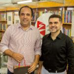 """Sobral Júnior e Isaac Furtado 150x150 - Isaac Furtado lança seu terceiro livro, """"Caderno 53"""""""