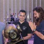 Selvagens à Procura de Lei Hard Rock Café 15 150x150 - Selvagens entrega itens para a memorabilia do Hard Rock Cafe