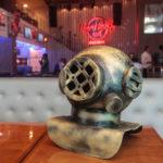 Selvagens à Procura de Lei Hard Rock Café 4 150x150 - Selvagens entrega itens para a memorabilia do Hard Rock Cafe