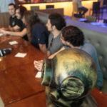Selvagens à Procura de Lei Hard Rock Café 9 150x150 - Selvagens entrega itens para a memorabilia do Hard Rock Cafe