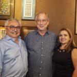 Paulo Albuquerque Ciro Gomes e Lucia Albuquerque 150x150 - Ciro Gomes ganha aniversário surpresa no Pipo Restaurante