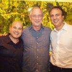 Roberto Claudio Ciro Gomes e Camilo Santana 150x150 - Ciro Gomes ganha aniversário surpresa no Pipo Restaurante