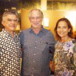 Veveu Arrusa Ciro Gomes e Izolda Cela 150x150 - Ciro Gomes ganha aniversário surpresa no Pipo Restaurante