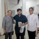 Alesandro Padilha Roberto Mota e Gutemberg Guilherme 1 150x150 - Livro de Joca Reiners Terron é lançado no Porto Iracema