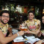 Marcelo Mendonça Carlos Gazelli e Thais Midauar brinde 150x150 - Moleskine inicia programação de pré-carnaval ao som de DJs