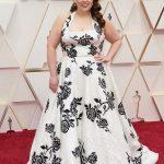 Beanie Feldstein 150x150 - Tapete Vermelho do Oscar recebe estrelas para a maior festa do cinema