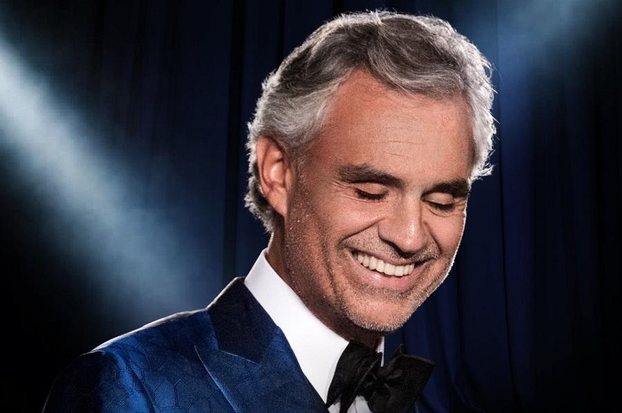Andrea Bocelli canta na Catedral de Milão vazia em live no domingo de Páscoa