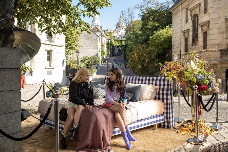 Cena De Emily Em Paris Na Rue De L'Abreuvoir