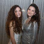 Maria Eduarda E Mariana Holanda
