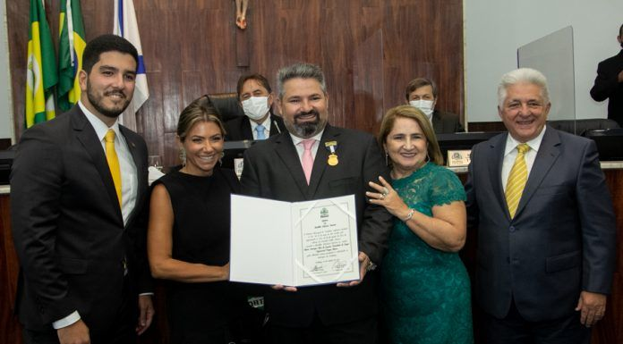 Pedro França, Vanessa, Mário, Auricelia E Deusmar Queirós (2)